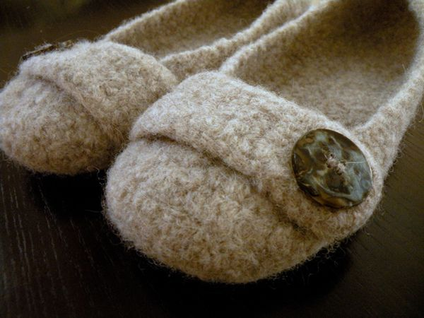 Felted Crochet : Felted Crochet Slippers pattern by Bonny Woods