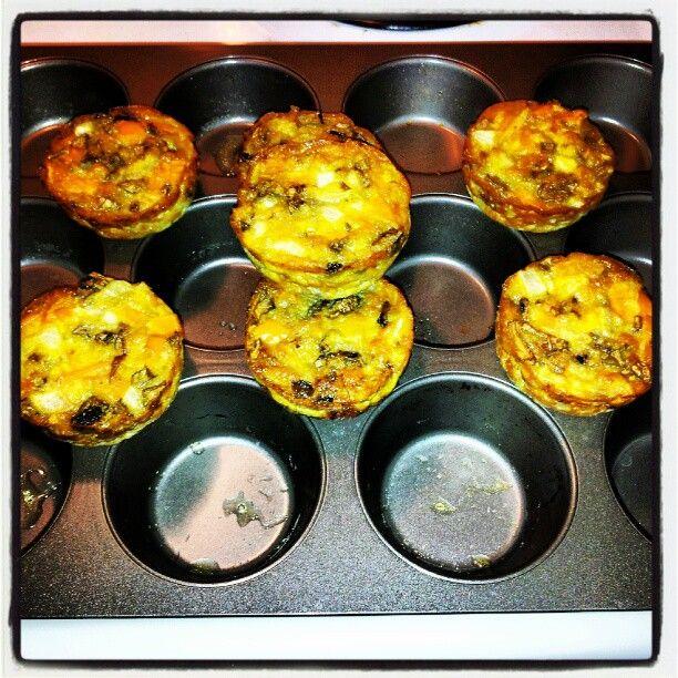 Healthy breakfast idea-make ahead egg muffins, 64 calories each! Yum!