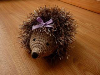 Amigurumi Eyelashes : Free Crochet Heidi Hedgehog Pattern. Stuffed toys ...