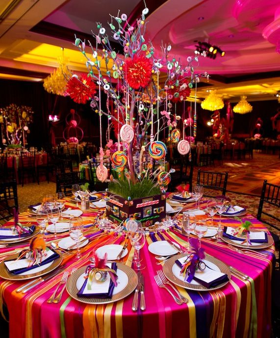 Candy themed center pieces ribbon table cloth parties for Center table ideas