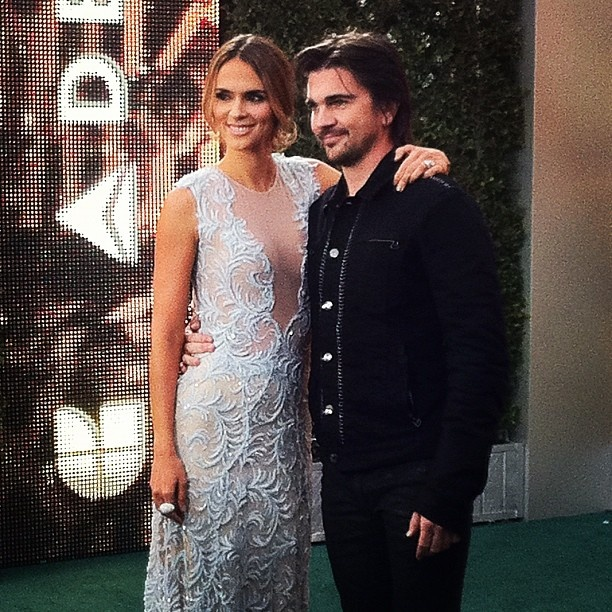 .@Juanes llego a la alfombra verde #latingrammy!! - @latingrammys- #webstagram