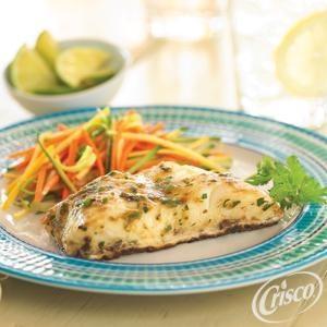 Pescado in Garlic and Salsa Verde from Crisco®