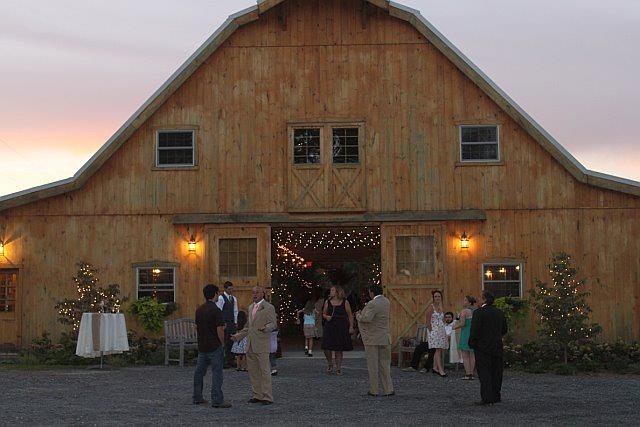 Barn wedding in michigan beautiful places i have for Honeymoon spots in michigan