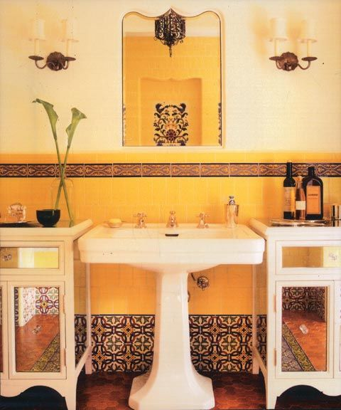 1920s spanish revival tile work spanish revival rancho for Bathroom in spanish