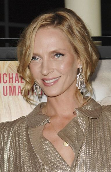uma thurman hairstyles : Uma Thurmans face-framing hairstyle