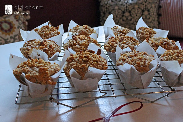whole wheat apple muffins with walnut streusel- yum!
