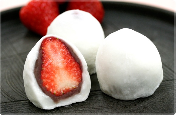 strawberry daifuku mochi | food and drink | Pinterest