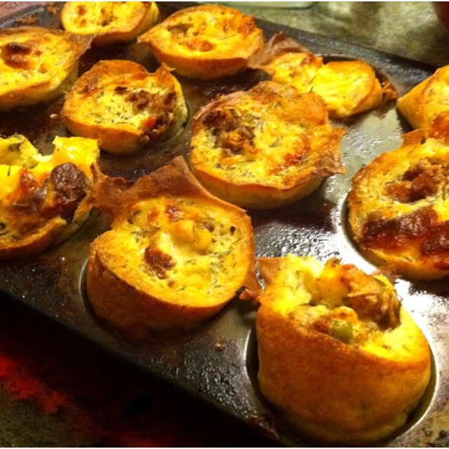 Shepherd's pie popovers. | Sandwiches/Pizza/Tacos | Pinterest