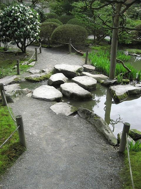 Stone path seattle japanese garden beautiful pathways for Japanese garden path