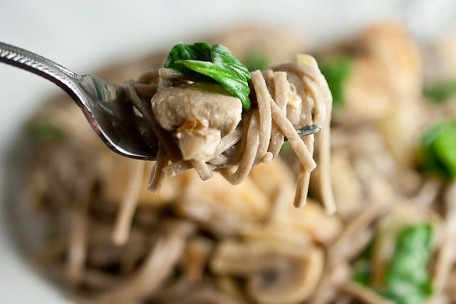 Soba Noodles with Sautéed Chicken, Mushrooms, and Spinach in Cream ...