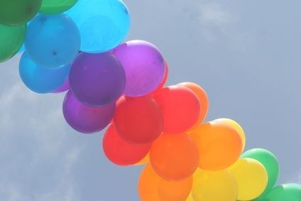 DIY: How to Make a Balloon Arch Without Helium