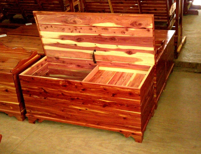 Handmade cedar furniture Patio table ideas