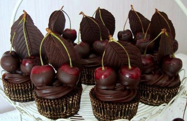 Cherry chocolate cupcakes   Cupcake ideas   Pinterest