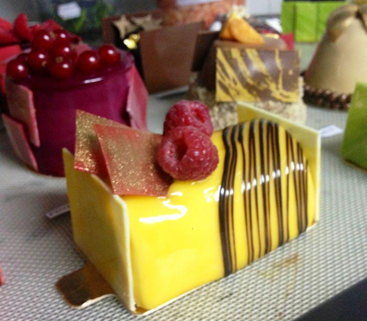 Mango & Chocolate Buche Noel | Mango desserts!!! | Pinterest