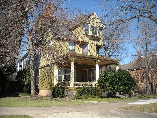 Heritage corner historic neighborhood historic homes of for Home builders in columbus ga