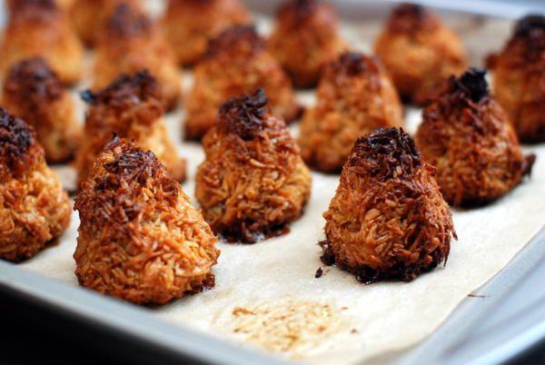 coconut macaroons oatmeal coconut macaroons sally s coconut macaroons ...