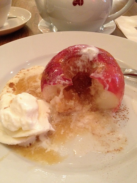 Baked apple with cinnamon and ice cream | yummy looking food | Pinter ...
