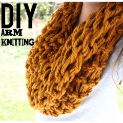 Diy arm knitting tutorial forthe infinity scarf
