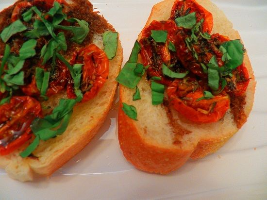 Roasted Grape Tomato and Basil Crostini - 20 Easy New Year's Eve ...