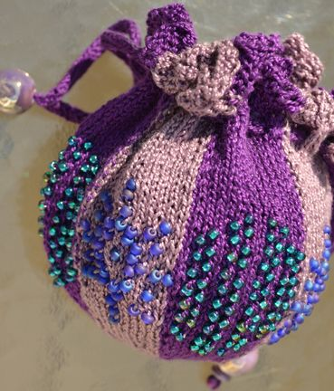 Beaded Bags Patterns Free : Beaded bag free knitting pattern Handy Bags Pinterest