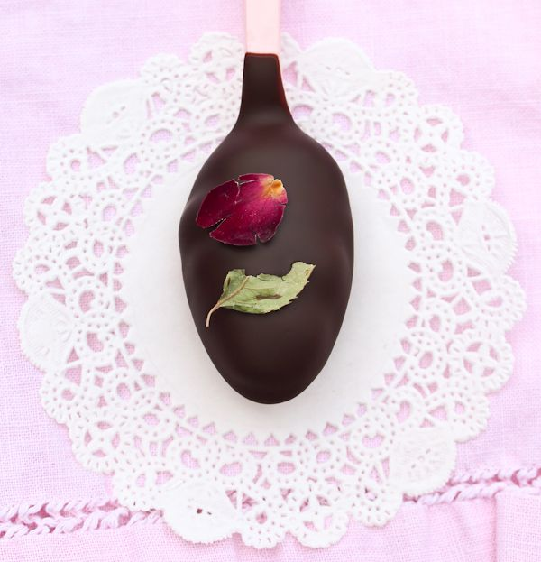 Easy Truffle Recipe ~ Chocolate and Roses Truffle Spoons | Recipe