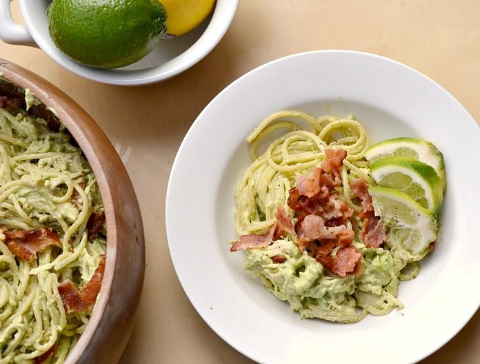 Creamy Avocado Pasta with Chicken and Bacon... oh how I wish my picky ...