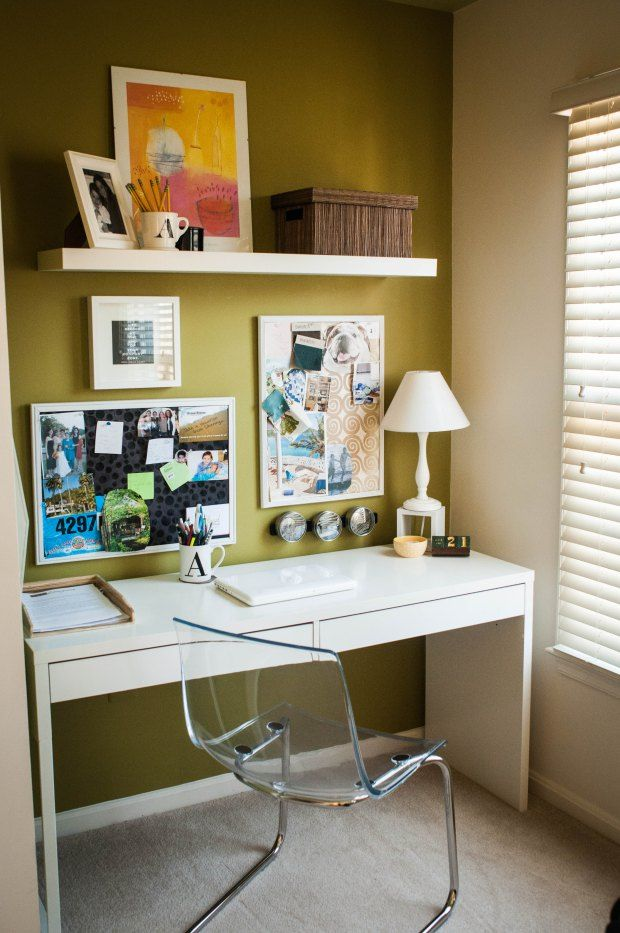 Home office desk with green accent wall for the home for Home office accent wall