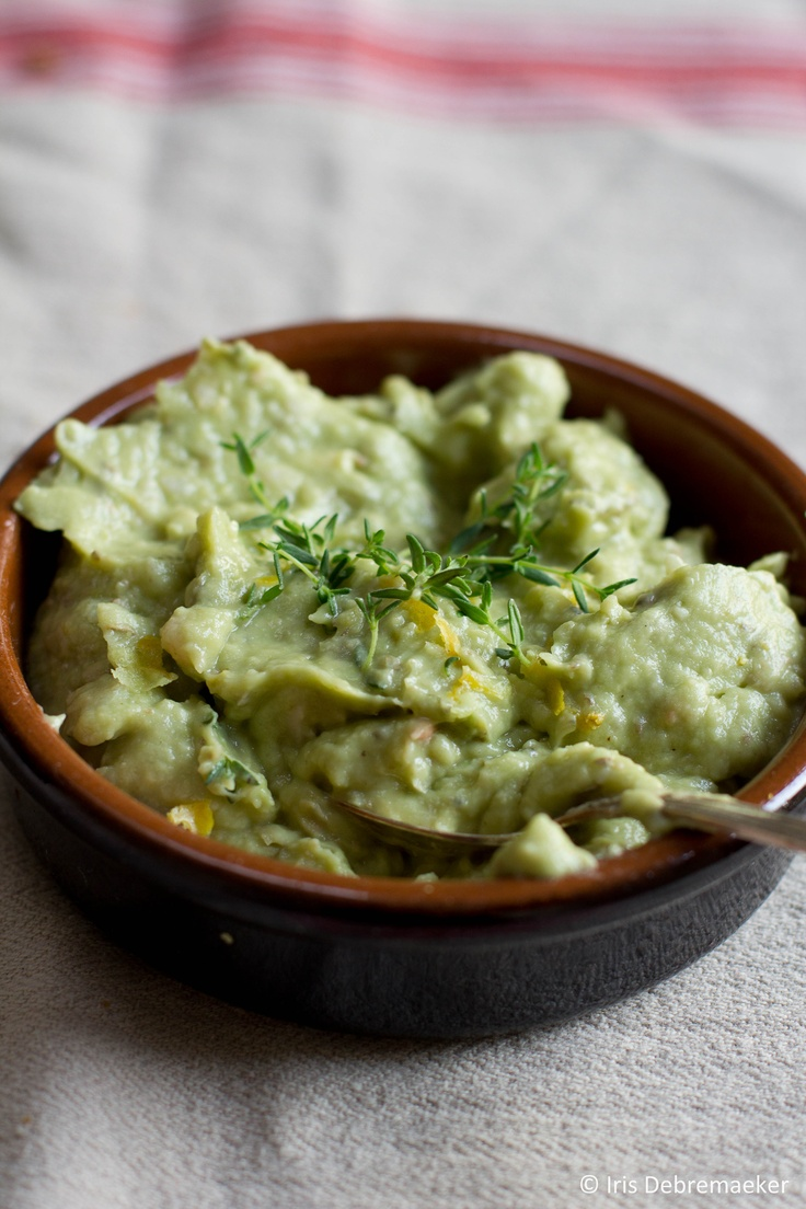 white bean and avocado dip with thyme | Dips | Pinterest