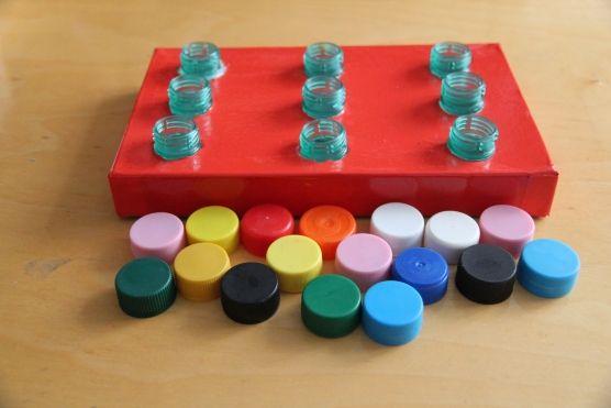 Игрушки с крышками пластиковых бутылок своими руками 8