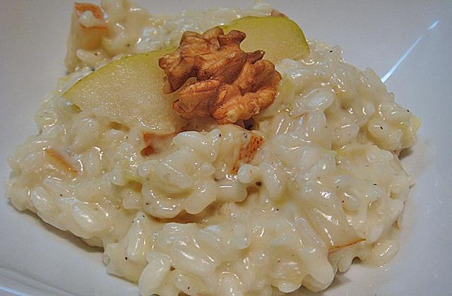 de pera, gorgonzola e nozes/ Pear, gorgonzola and walnuts risotto ...