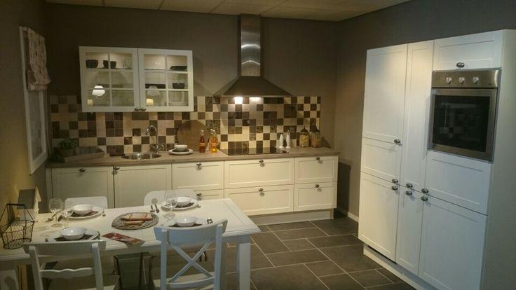 Gezelligheid Keuken : Haal gezelligheid in huis met deze Bruynzeel Oxford in een cr?me