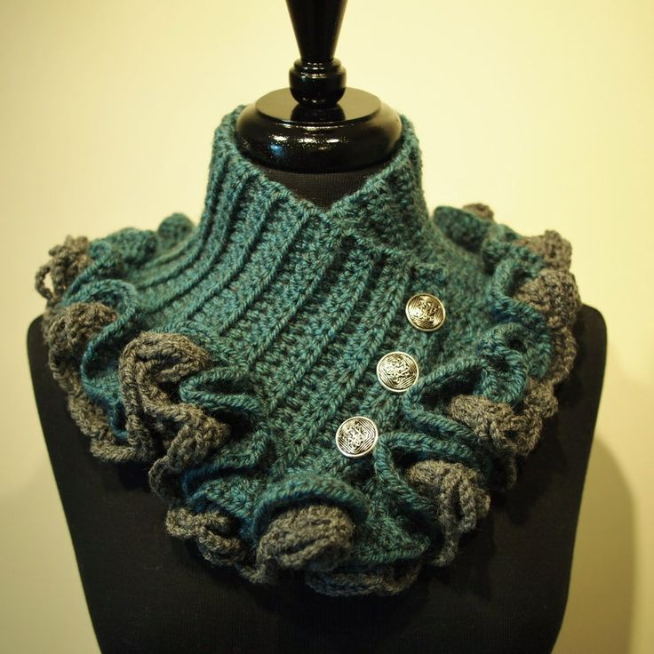Patterns For Knitted Dog Coats : Steampunk Victorian Crochet Ruffled Collar Scarf