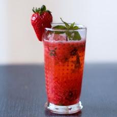 Strawberry Sake Cocktail | D r i n k s | Pinterest