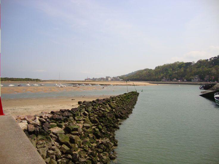 d day landing beaches address
