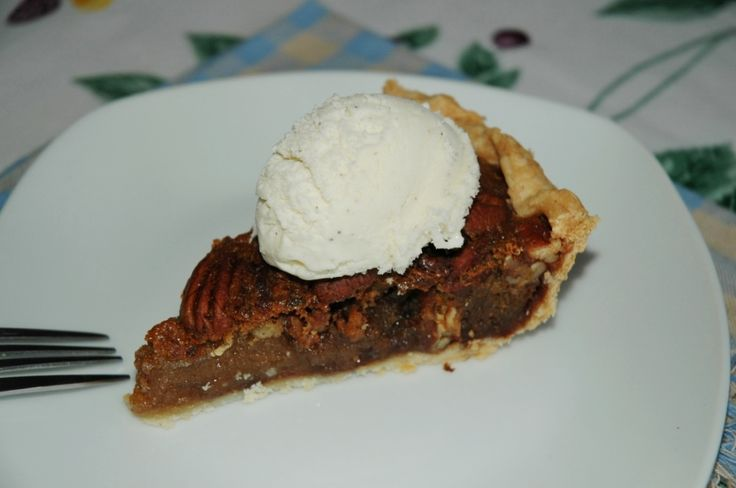 Chocolate Bourbon Pecan Pie #12WksXmasTreats #ChocolateParty