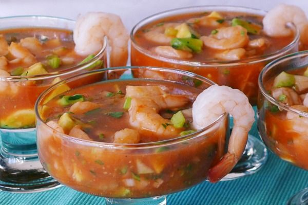 Coctel de Camarones | Mexican Style Shrimp Cocktail