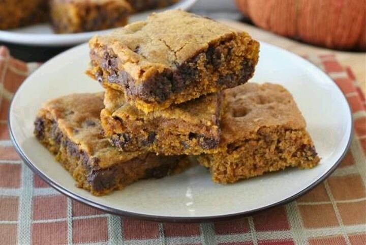 Pumpkin chocolate chip bars | Desserts | Pinterest