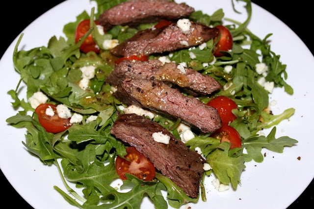 skirt steak + arugula salad with blue cheese.