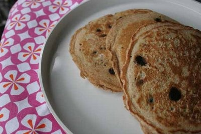 Pregnancy Recipe: Oatmeal Chocolate Chip Pancakes--Pregnant or not ...
