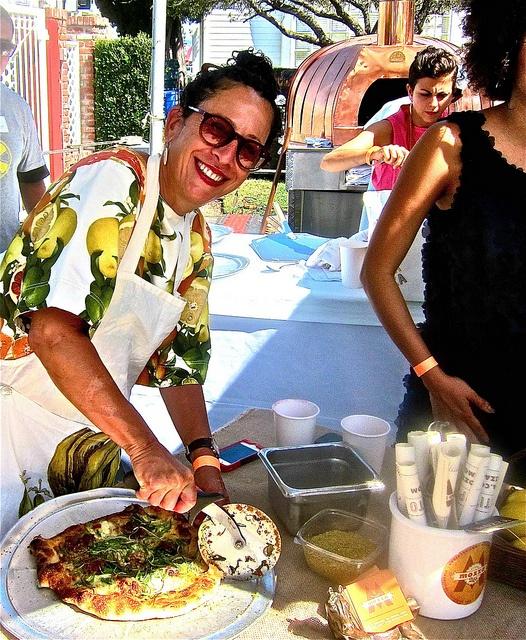Nancy Silverton cuts a Mozza Pizza at #LALovesAlexs