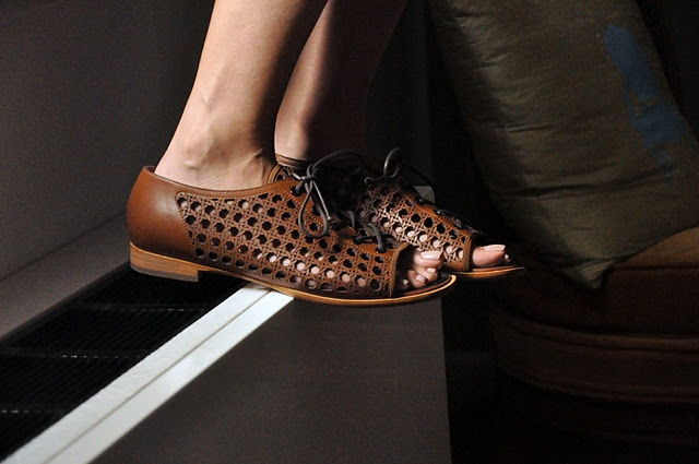 want these Proenza Schouler shoes