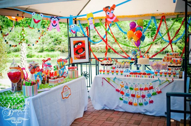 Another great shot of the Muppet party setup #muppet #desserttable