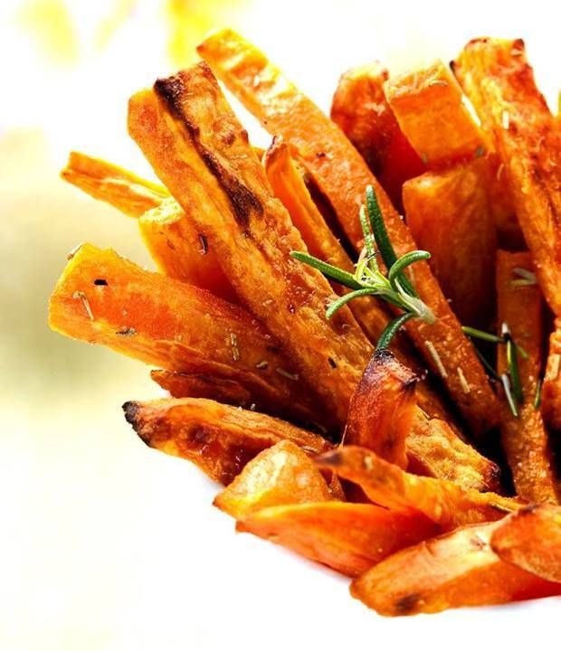 Oven} Sweet Potato Fries with Rosemary and Garlic