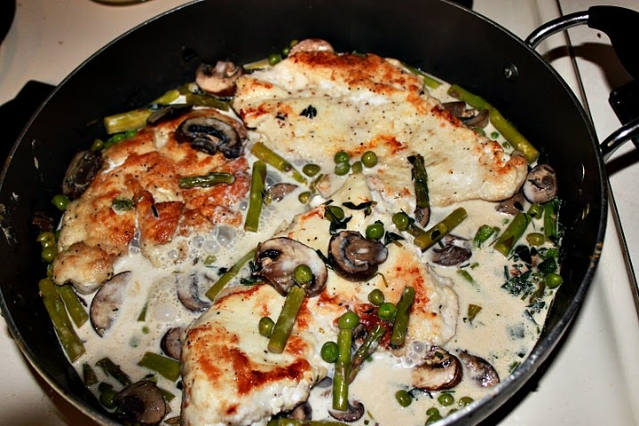 Chicken Scallopini with portobello mushrooms, peas and asparagus