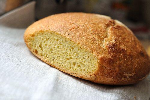 Crusty Portuguese-American Yeasted Cornbread (Pao de Milho) #bread