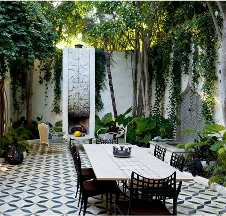 Spanish Inspired Patio at home in Los Feliz, California by Commune Design