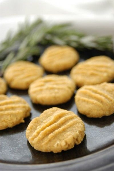 Cheddar & Rye Crisps | Recipes: Biscuit, Cookies & Cakes | Pinterest