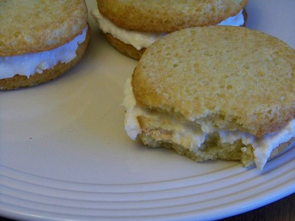 Whoopie Pie Flavor Recipes | Recipe Low Carb Banana Coconut Whoopie ...