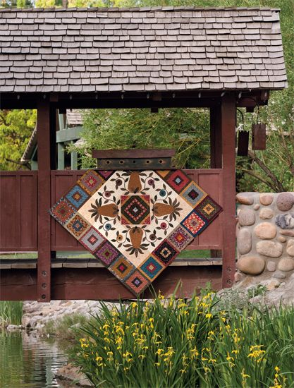 Old-Fashioned Hospitality quilt by Kim Diehl