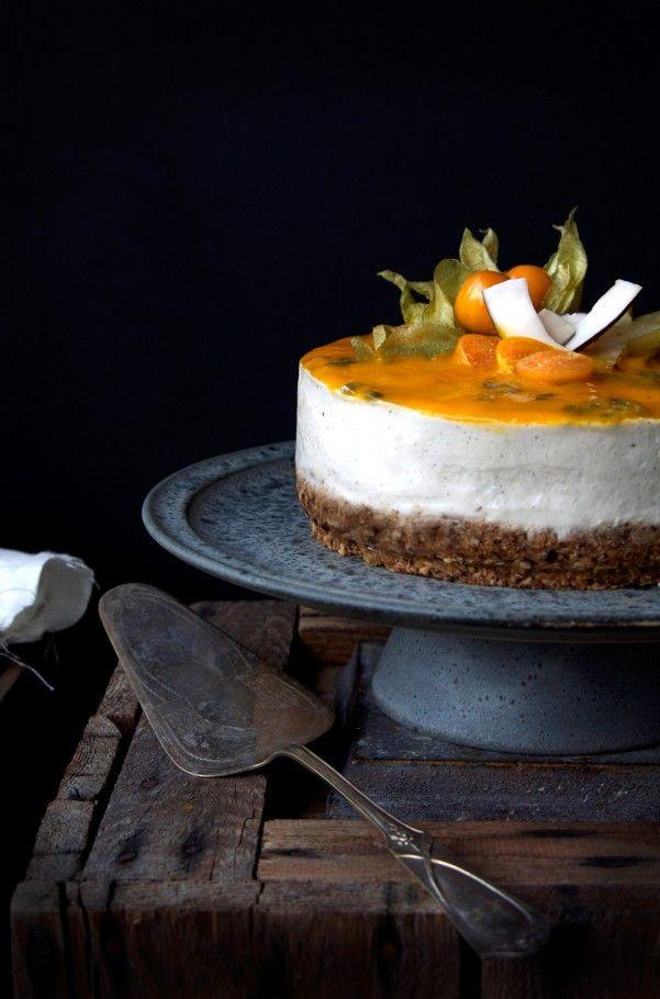 Semi-raw, vegan & GF Tropical Cheesecake | desserts | Pinterest